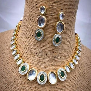 Simple Big Kundan AD Necklace