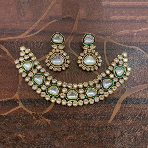 Simple Kundan Meena Choker Set
