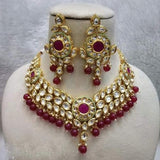 Simple Kundan Necklace with Round Centre