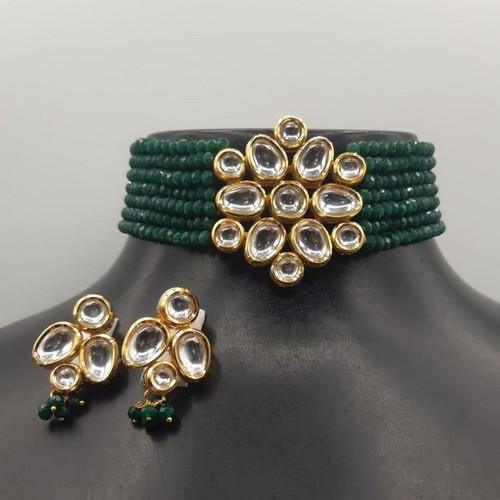 Simple Kundan Patch Choker Set
