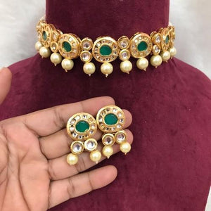 Small Round Emerald Choker Set