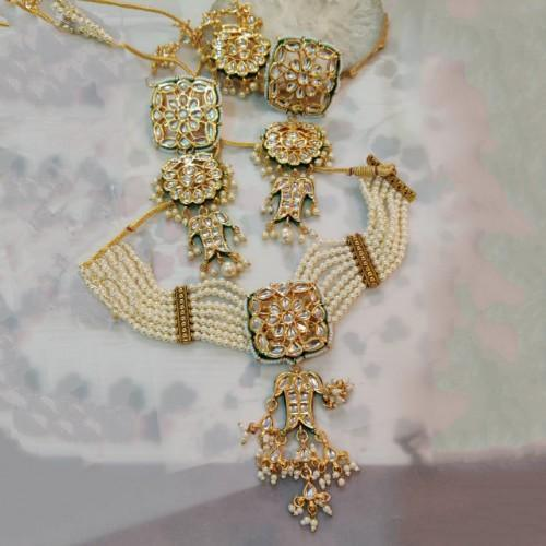 Square Kundan Patch Moti Necklace Set
