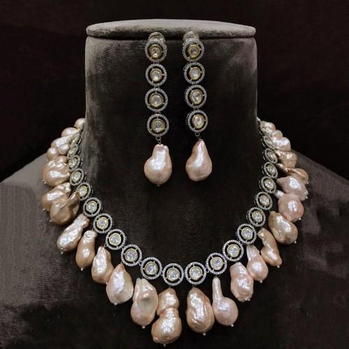 Victorian Round Baraque Necklace Set