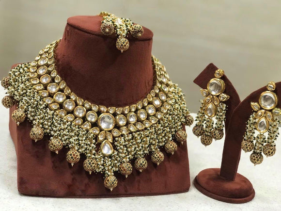 Kundan Coral Set with Golden Beads