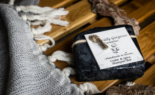 Cedar and spice with activated charcoal solid shampoo bar 100g