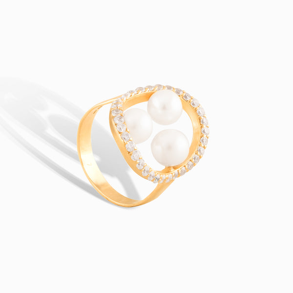 Three Pearl Diamond Ring