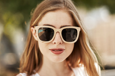 8 reasons you want to wear natural-looking Bewell wooden sunglasses for the rest of Summer