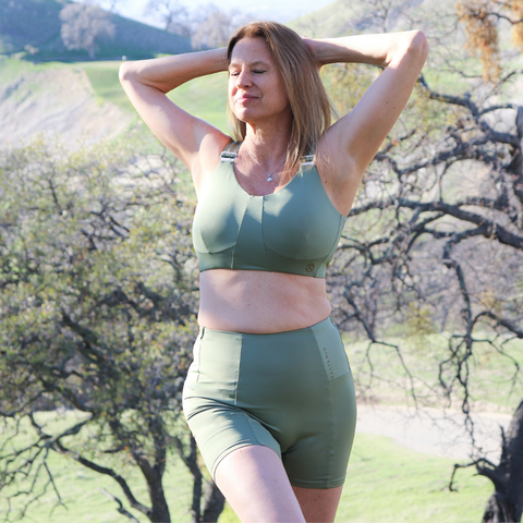 Model wearing size Medium in Rise Bra and Deco Shorts in Eco Jersey