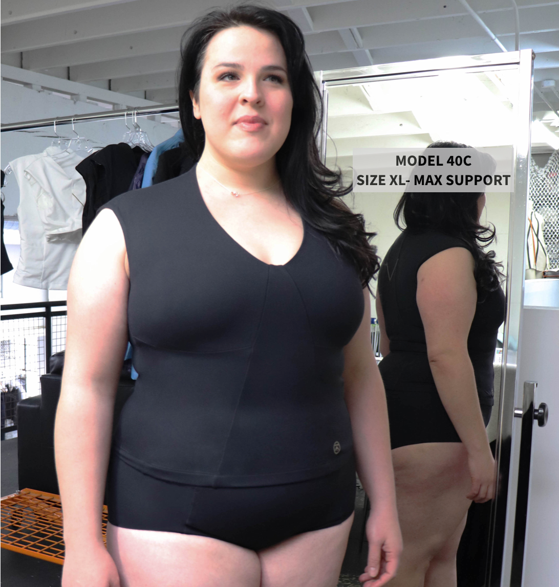 Model 40C wearing XL in the top