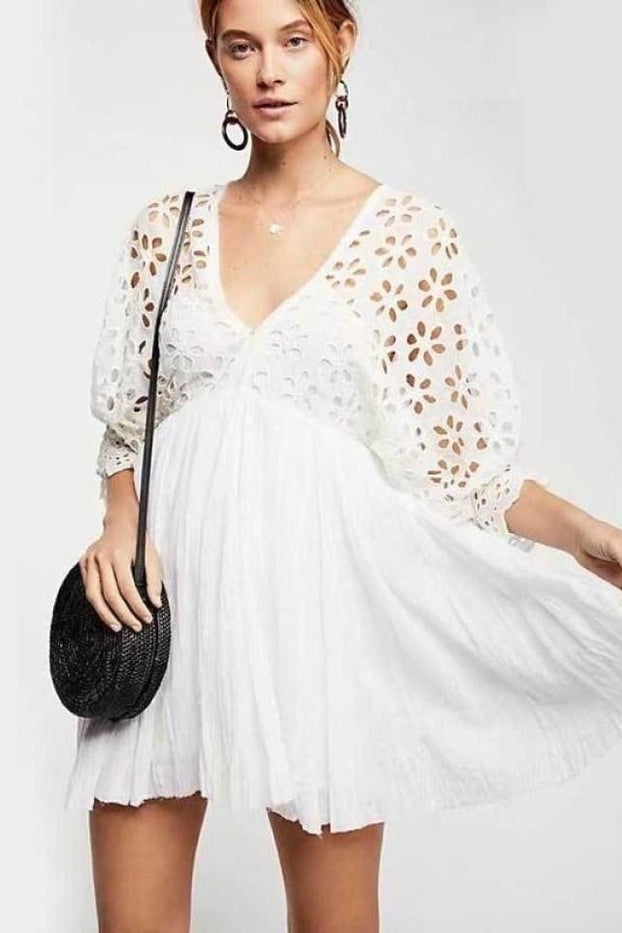 Boho Inspired 2018 Eyelet Cotton Mini Dress Women Deep V-Neck Batwing Sleeve Flowy Summer Dress Cute Robe Femme 2018 Vestidos