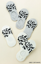 Animal Print Invisible Socks in Gray & Off-White