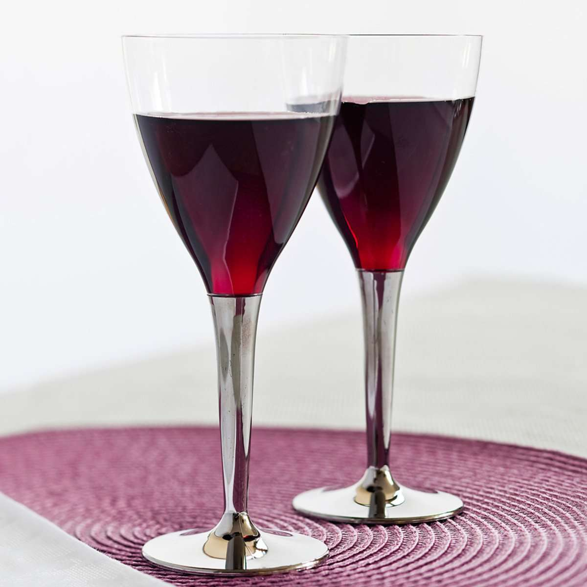 Mozaik 100 Disposable Plastic Wine Glasses with Silver StemMozaik 100 Disposable Plastic Wine Glasses with Silver Stem