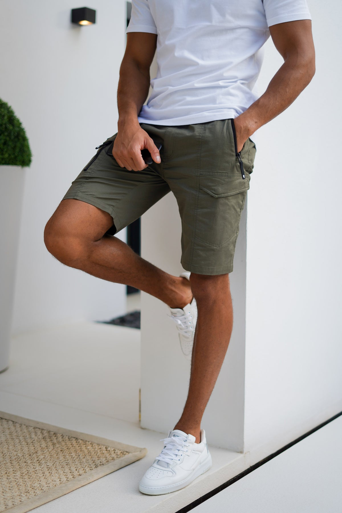 YELIR WORLD COMBAT SHORTS KHAKI