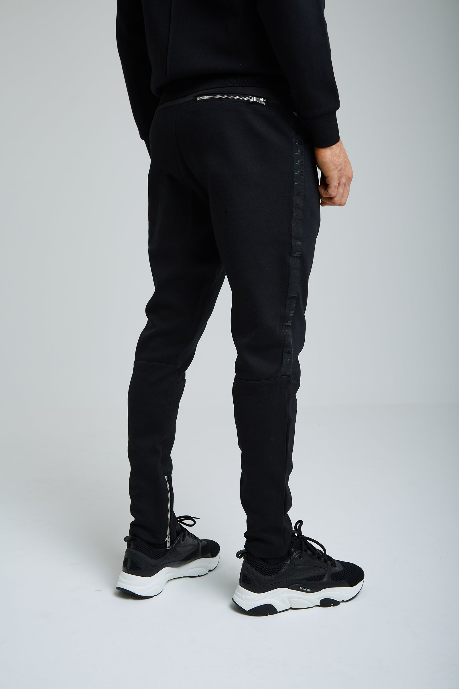 YELIR WORLD SIDE STRIPE JOGGER BLACK/BLACK