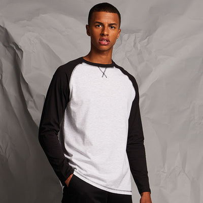 Long-sleeved baseball T