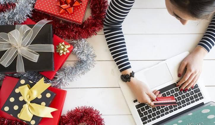 10 Tips to Sell More Online at Christmas