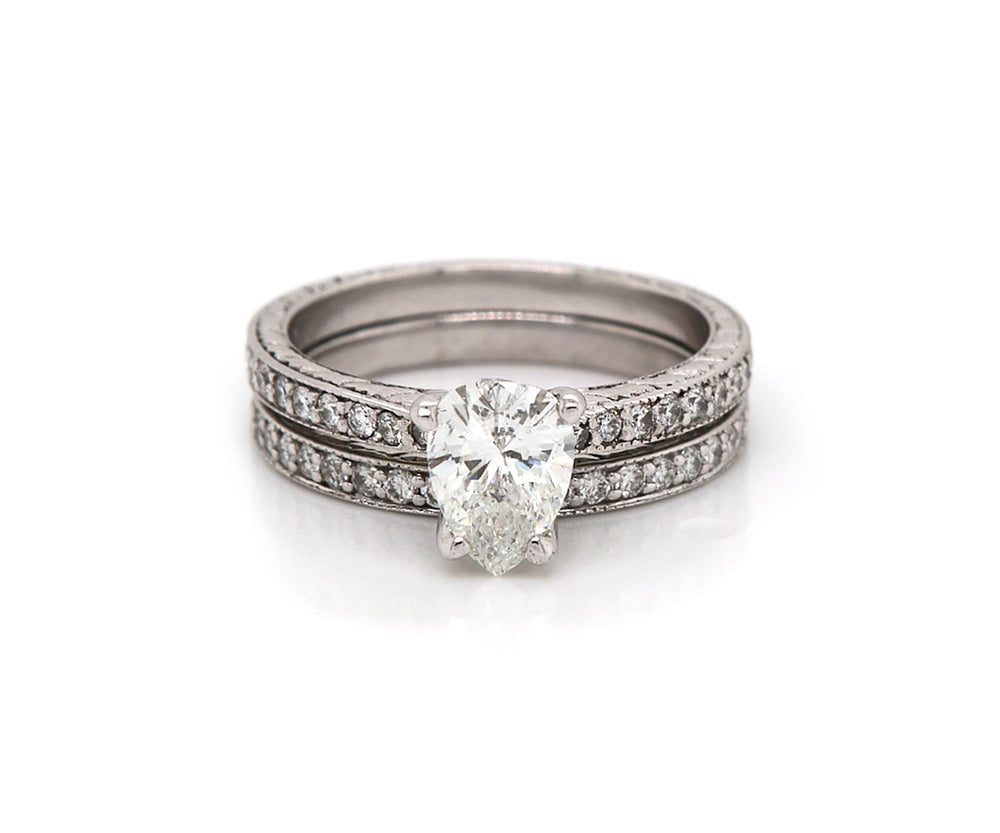 1.33 CTW Pear Etched Diamond Bridal Set In 18K