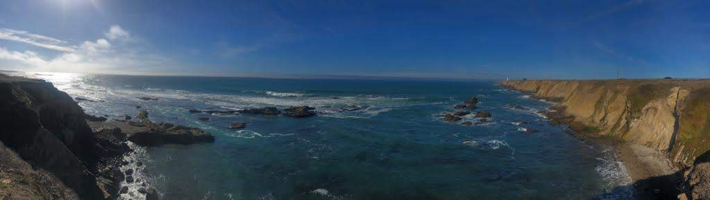 A panoramic view of a hypnotic seascape