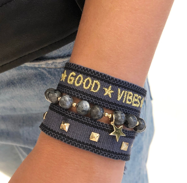 "WOVEN FRIENDSHIP BRACELET  ""GOOD VIBES"" DARK GREY"