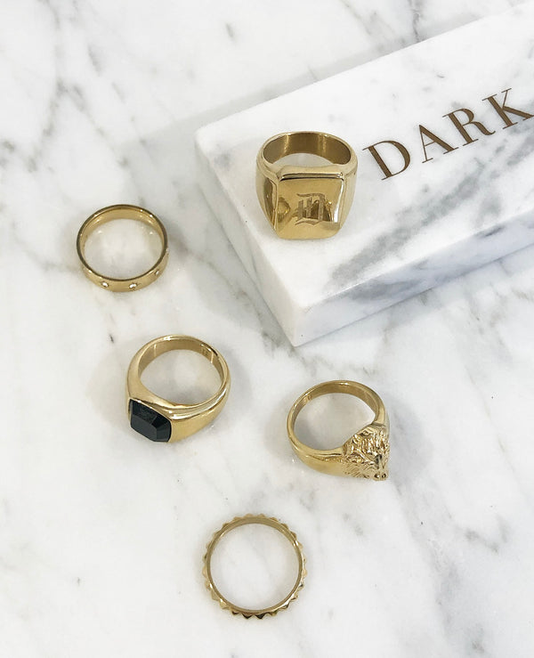 SIGNET RING MINI W/BLACK ONYX GOLD