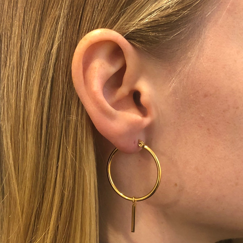 MEDIUM HOOP W/STUD GOLD