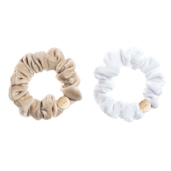 2 PK VELVET MINI SCRUNCHIE SAND & WHITE
