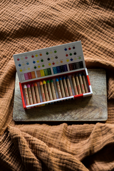 Kitpas Medium Crayons, 16 colors
