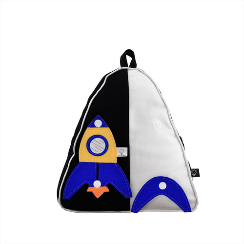 Wear & Play - Triangle Backpack with 3D TOY