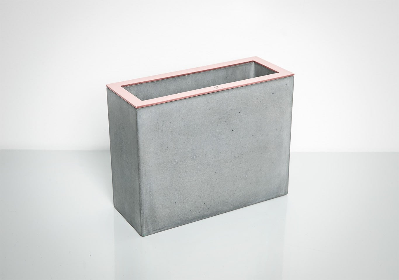 Gray Rectangular Concrete Vase by Minshape — MV2.1