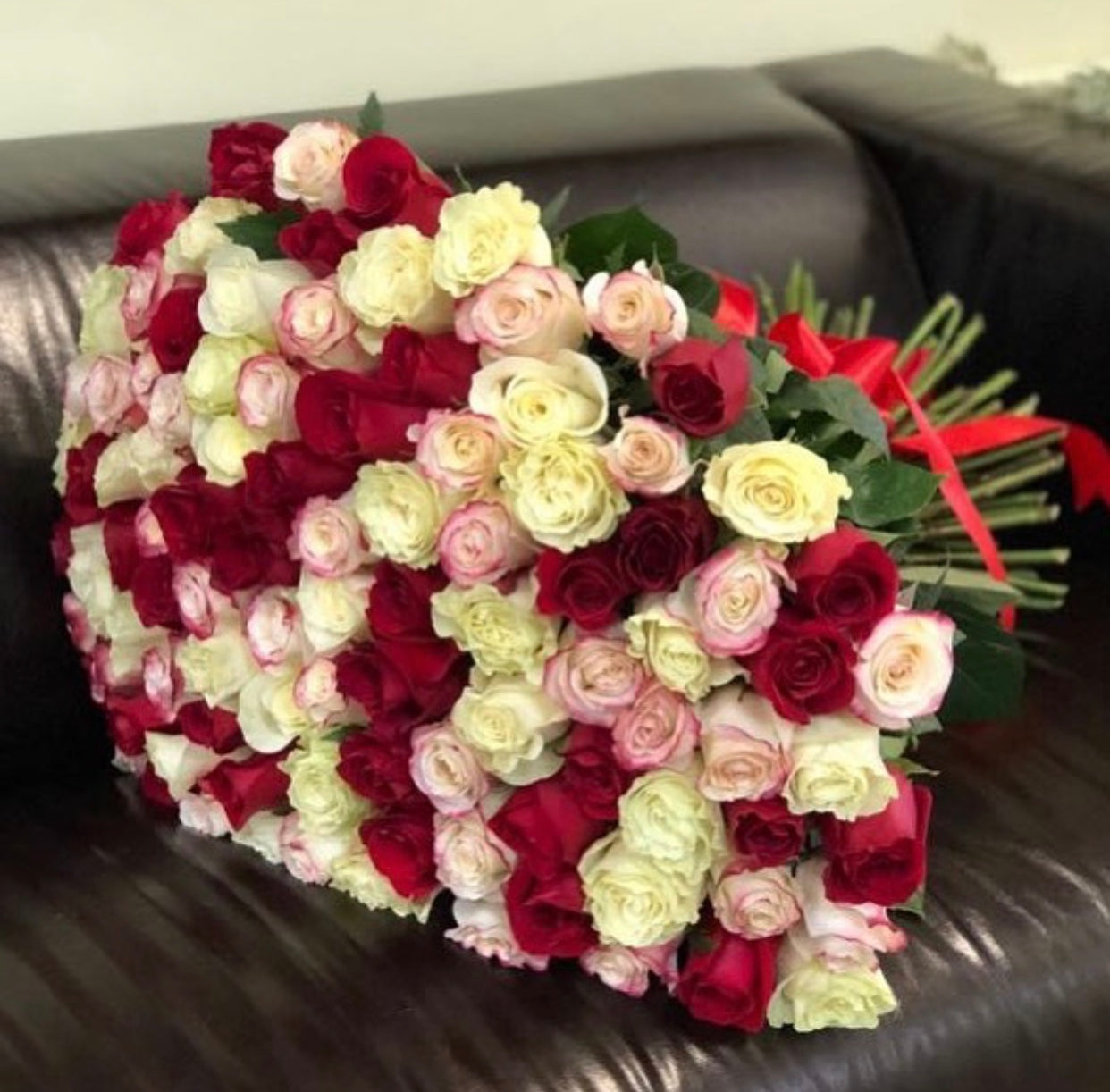 Mix of 100 roses
