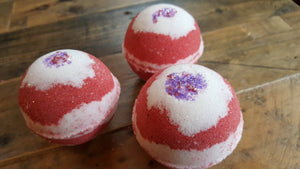 Candy Cane Peppermint Bath Bomb 2.5 oz