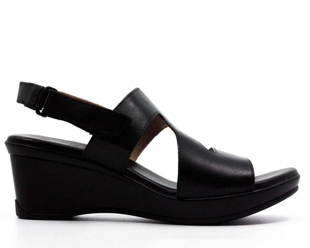 Yieldings Discount Shoes Store's Valerie Wedge Sandals by Naturalizer in Black