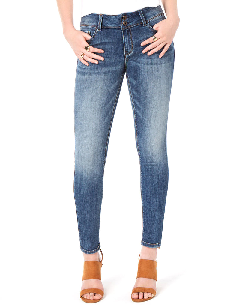 Yieldings Discount Clothing Store's Low-Rise Skinny Jeans by Vanilla Star in Medium Wash
