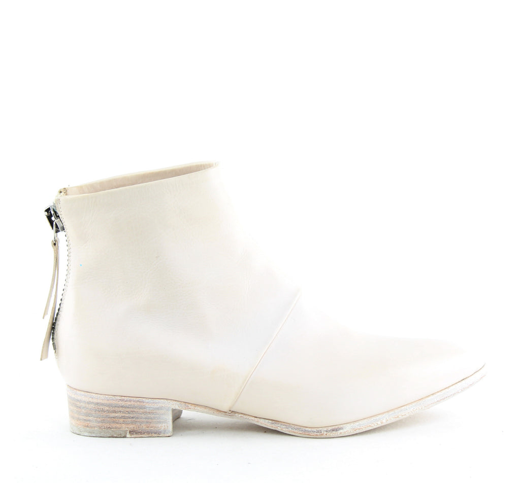 Yieldings Discount Shoes Store's Bellina Ankle Boots by Alberto Fermani in Gardenia
