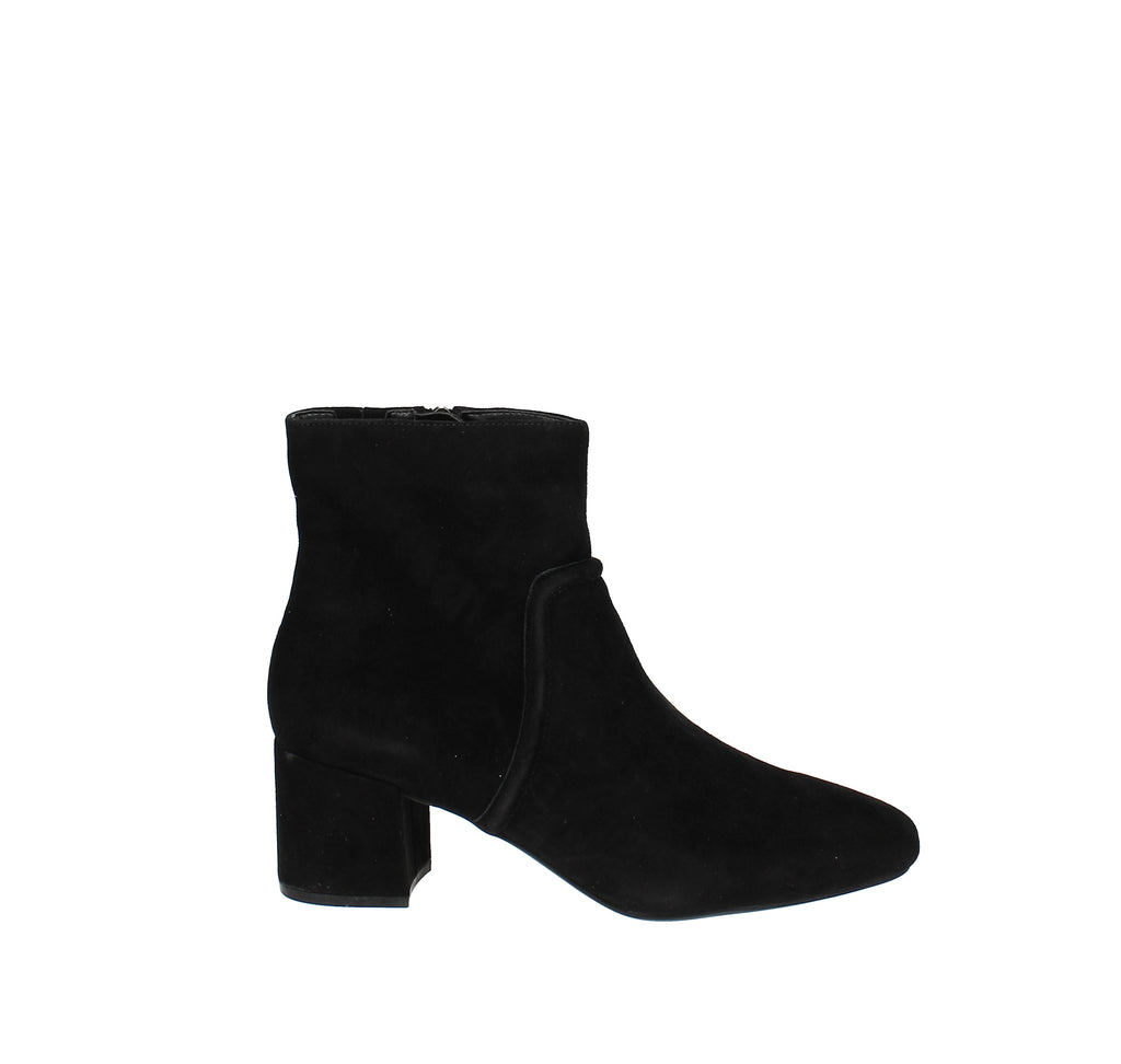 Yieldings Discount Shoes Store's Ives Bombay Booties by Kenneth Cole in Black