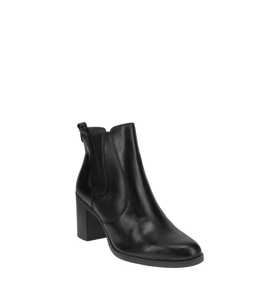 Yieldings Discount Shoes Store's Korma Ankle Booties by Giani Bernini in Black