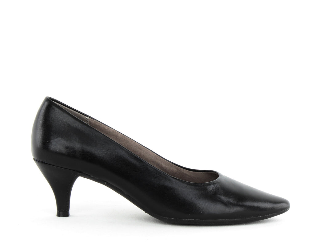Yieldings Discount Shoes Store's Stardom Pumps Wide by Aerosoles in Black