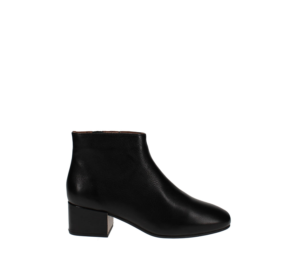 Yieldings Discount Shoes Store's Ella Booties by Gentle Souls By Kenneth Cole in Black