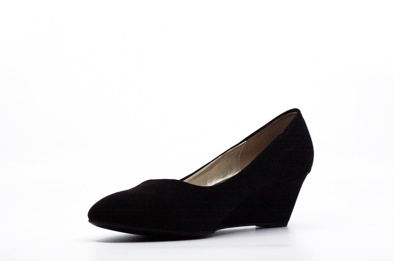 Yieldings Discount Shoes Store's Franci Wedge Pumps by Bandolino in Black