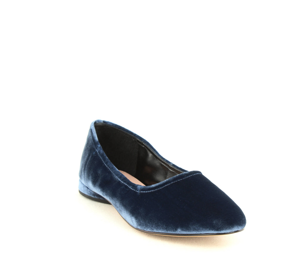Yieldings Discount Shoes Store's Myrina Flats by Avec Les Filles in Midnight Navy