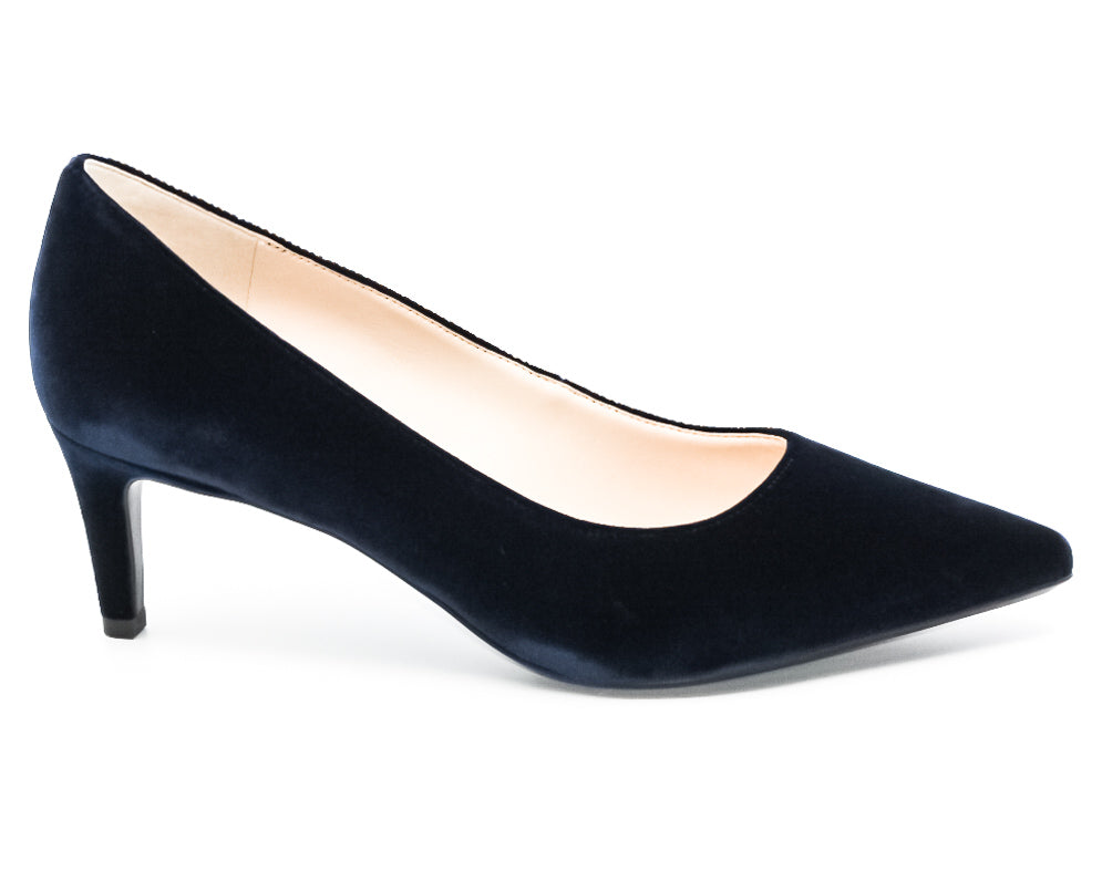 Yieldings Discount Shoes Store's Soho 9X9 Pumps by Nine West in Navy