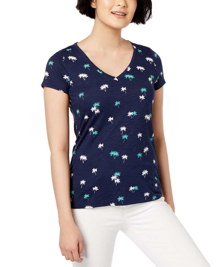 Yieldings Discount Clothing Store's Printed V-Neck T-Shirt by Maison Jules in Blue Notte