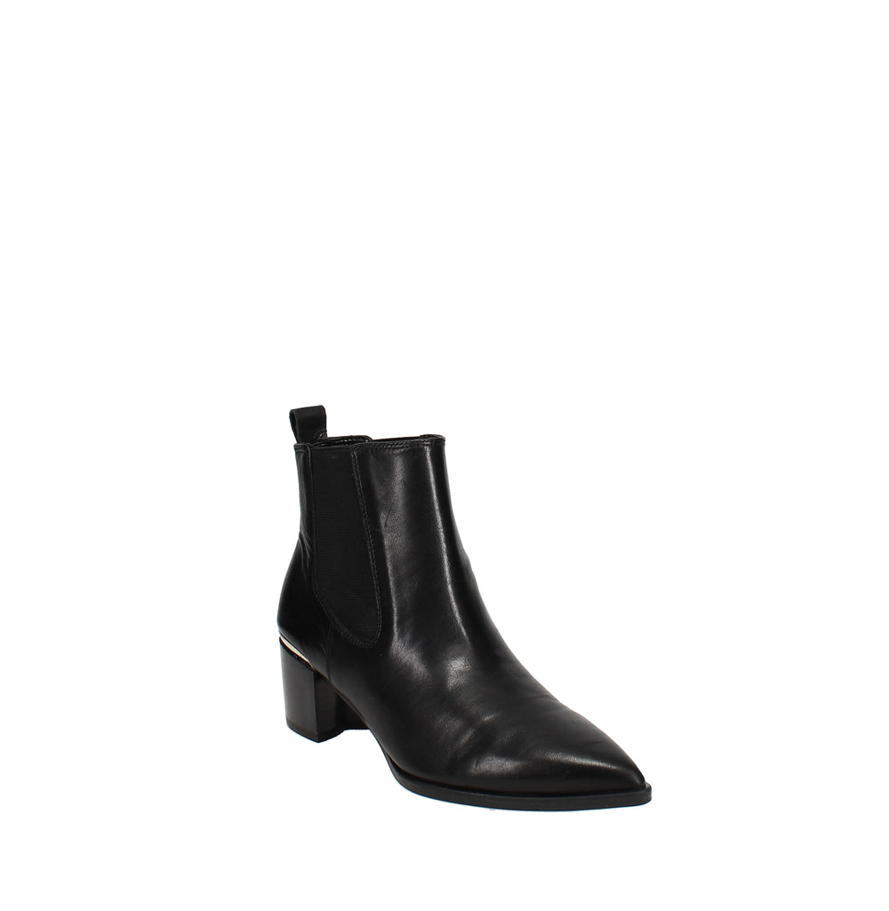 Yieldings Discount Shoes Store's Honor Chelsea Boots by Nine West in Black