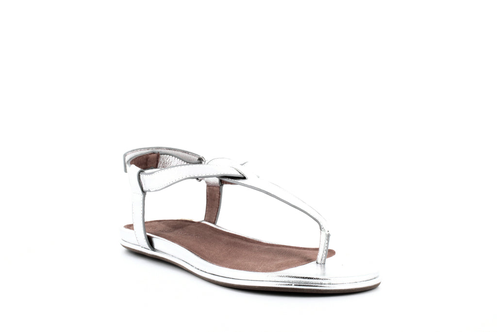 Yieldings Discount Shoes Store's Oxford Flat Thong Sandals by Gentle Souls By Kenneth Cole in Silver