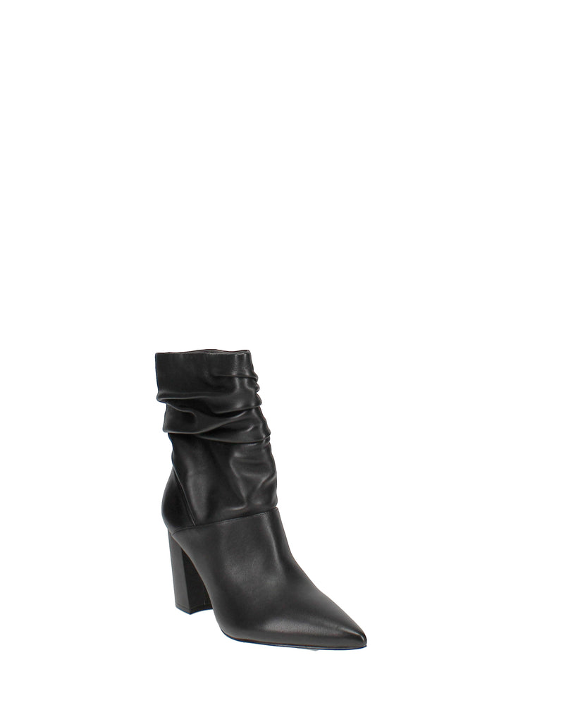 Yieldings Discount Shoes Store's Cames by Nine West in Black Leather