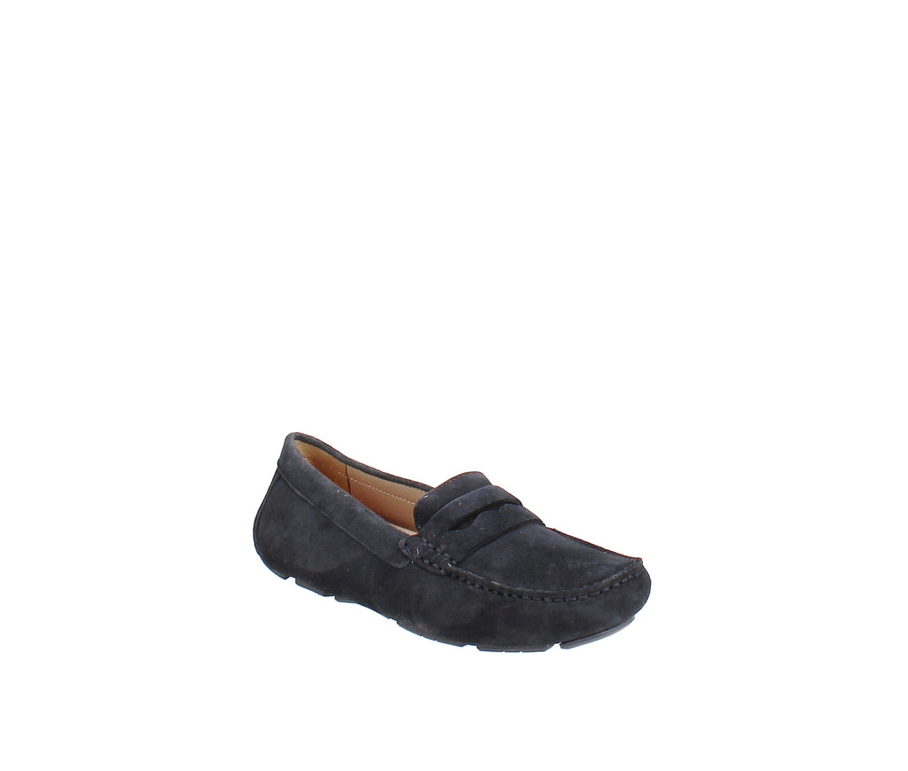 Yieldings Discount Shoes Store's Natasha Loafer by Naturalizer in Navy