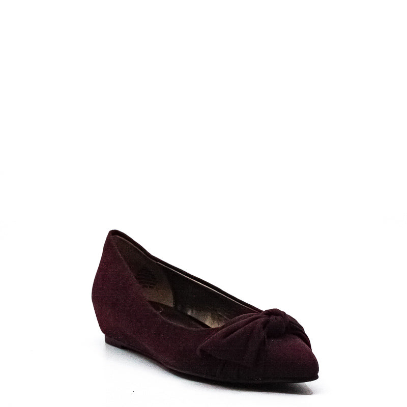 Yieldings Discount Shoes Store's Ressie Flats by Bandolino in Wine