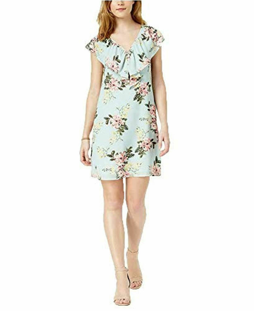 Yieldings Discount Clothing Store's V-Neck Floral Shift Dress by Maison Jules in Mint Powder
