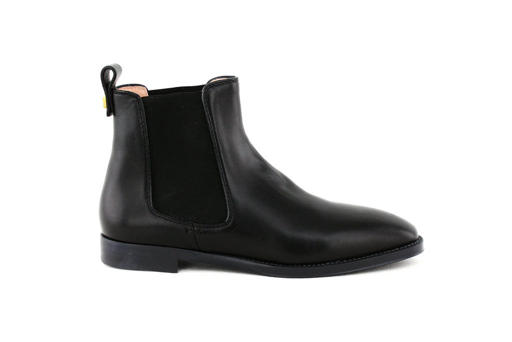 Yieldings Discount Shoes Store's Atom Leather Chelsea Booties by Stuart Weitzman in Nero