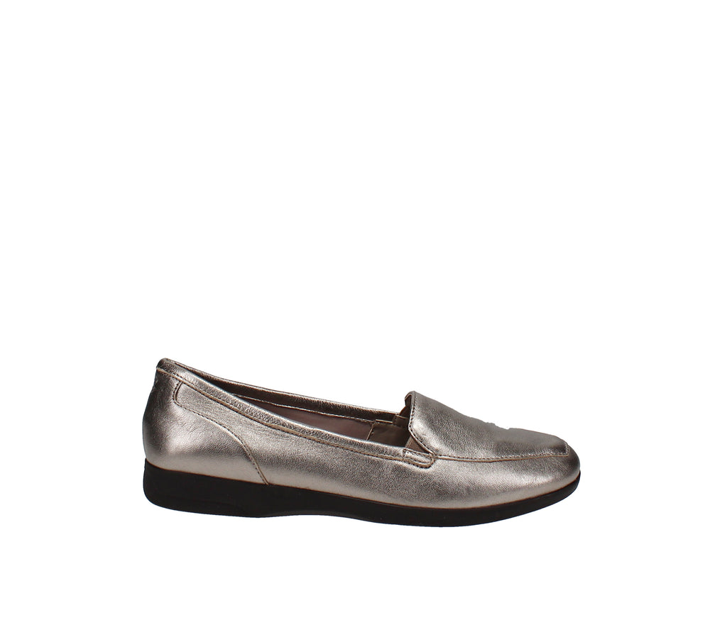 Yieldings Discount Shoes Store's Devitt Loafers by Easy Spirit in Bronze